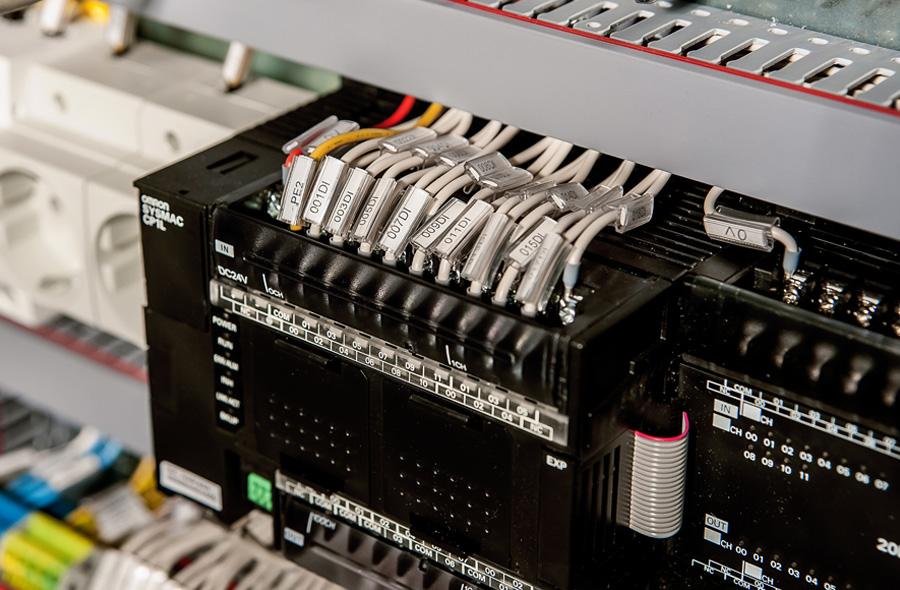 Шкафы управления с указанием всех кабелей - залог надежности и удобства дальнейшей эксплуатации
